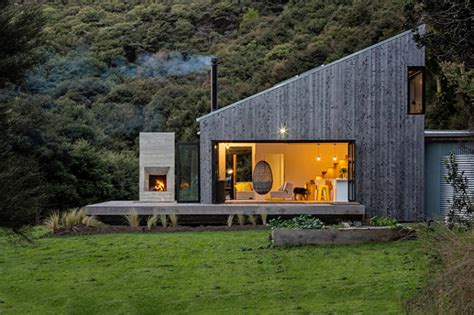 country house inspired  traditional  zealand huts digsdigs