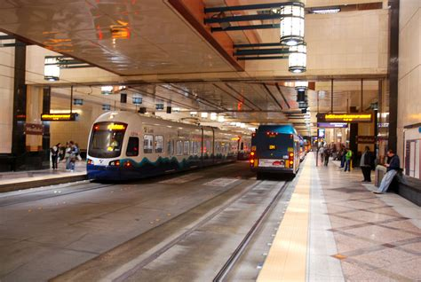 what is considered running a light seattle s link light rail originally considered for