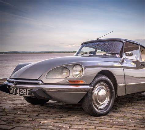 vintage citroen ds vintage citroen ds hire wedding cars easy weddings
