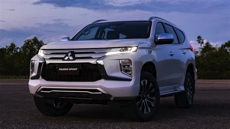 2020 mitsubishi pajero sport facelift news mitsubishi reveals facelifted pajero sport for 2020