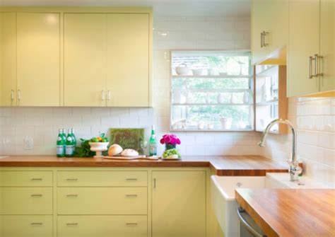 kitchen cabinet painting techniques painting tips kitchen cabinets rowe spurling paint company