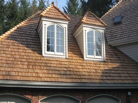 cedar shake and shingle roofing contractor in toronto and