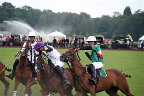 game balap kuda mod gambar penunggang kuda kompetisi balap joki pemain