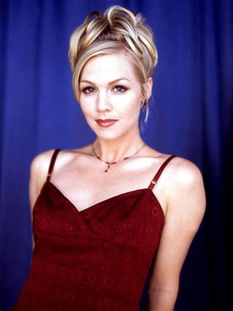 kelly 90210 hairstyles jennie garth beverly hills 90210 and updo on pinterest