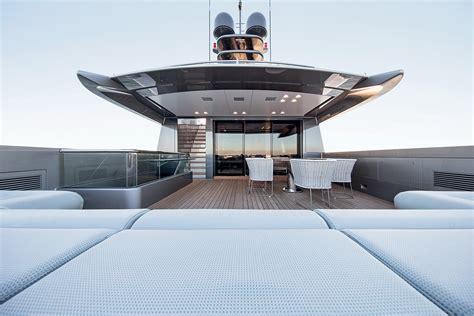terrasse yacht espen oeino silver fast le superyacht le plus grand et