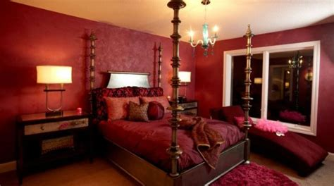 crimson bedroom ideas how to decorate a bedroom with red walls
