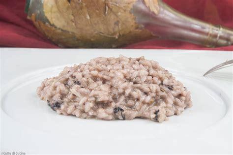 cucinare radicchio rosso risotto radicchio rosso e scamorza affumicata ricette di