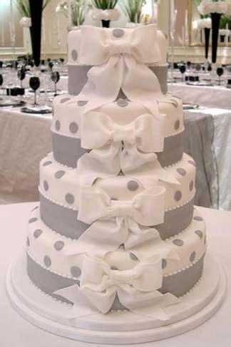 Wedding Cake History by Wedding Decorations The Wedding Cake Through History