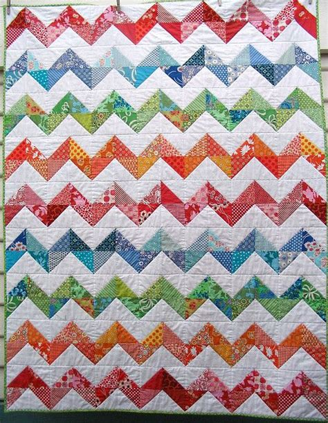 zig zag quilt pattern triangles quilt chevron and half square triangles on pinterest