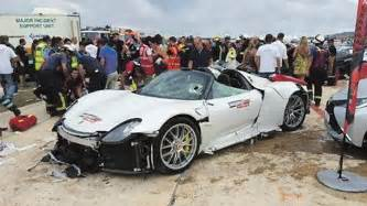 porsche 918 crash car of porsche 918 spyder road crash