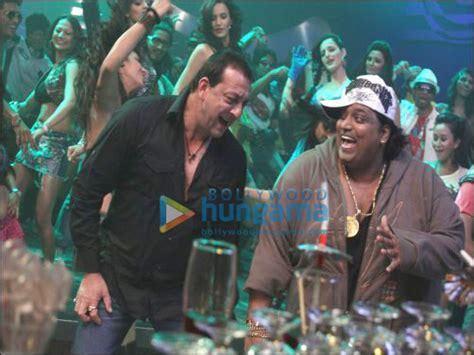 by bollywood hungama news network apr 30 2012 1405 ist dutt dances on thodi si jo pi li hai for department