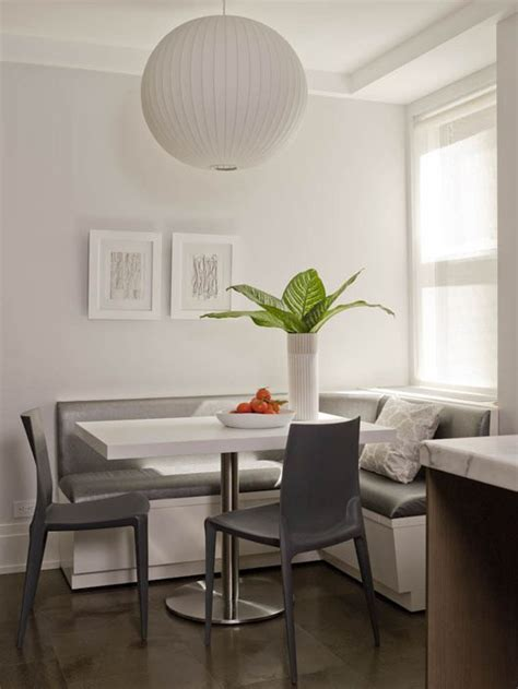 BREAKFAST NOOK LOOK   BUILT IN BANQUETTE SEATING!   COCOCOZY