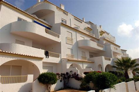 Appartments In Portugal by Madeleine Mccann Crimewatch Appeal Barely Watched In Portuguese Of Praia De Luz