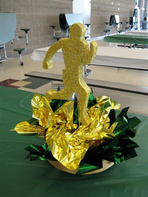 football banquet centerpieces 1000 ideas about banquet centerpieces on