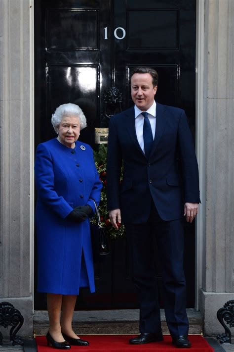 elizabeth ii attends the government s weekly cabinet