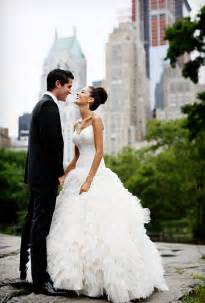 wedding dresses in new york city a glamorous summer wedding in new york city glamorous weddings real weddings brides
