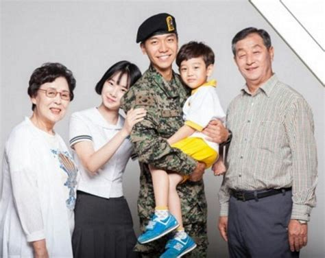 lee seung gi child lee seung gi models in publicity poster for the national