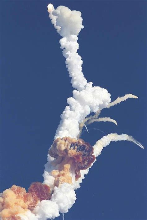 the explosion of the space shuttle challenger best 25 space shuttle challenger ideas on