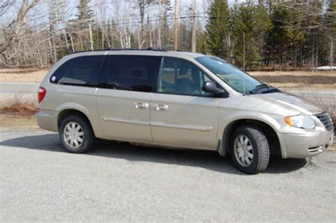 Chrysler Dodge 2005 Town Amp Country Caravan And Voyager