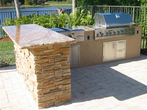 Outdoor Bbq Kitchen Ideas by Custom Outdoor Kitchen In Florida With Granite Gas