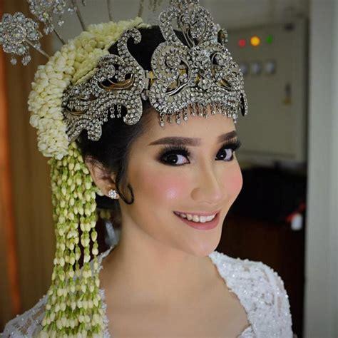 Jasa Make Up Pengantin 081 215 689 440 wa sms jasa rias pengantin sunda di putri siger rahma make up artist