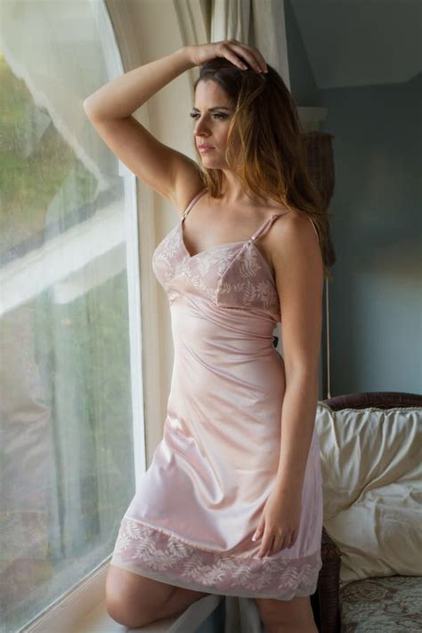 Slip Pictures by Par Dentelle Slips Chemises Nightgowns