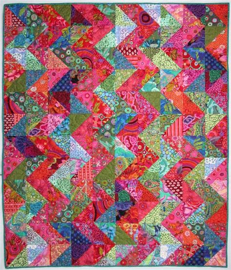 zig zag quilt pattern triangles warm cool zig zag quilt by wanda hanson at exuberant color