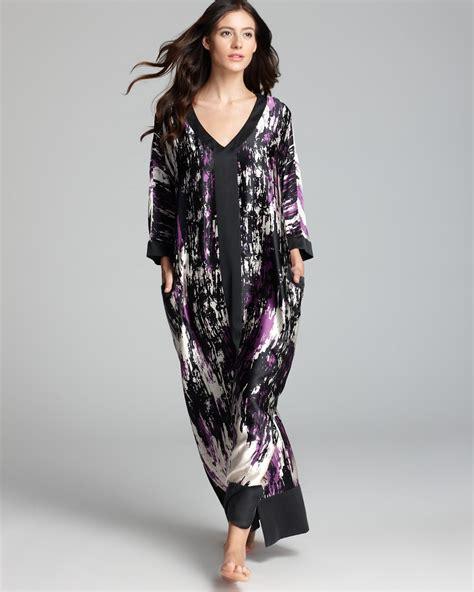 Kaftan Mila Purple donna karan printed silk caftan lyst