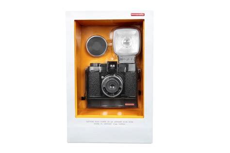 Giveaway Camera - lomography diana f instant cameras giveaway global yodel