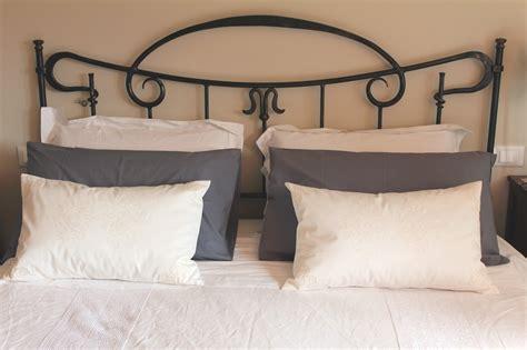 cuscini ornamentali per letto cuscini per testiera