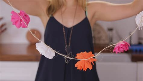 How To Make Crepe Paper Garland - diy crepe paper flower garland