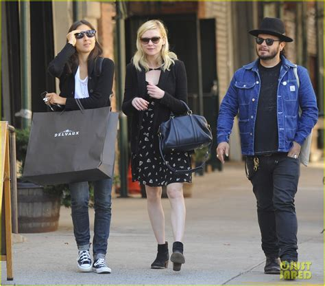 Kirsten Dunst Is Not A Friend To The Elderly by Sized Photo Of Kirsten Dunst Downtown Nyc Friends 13