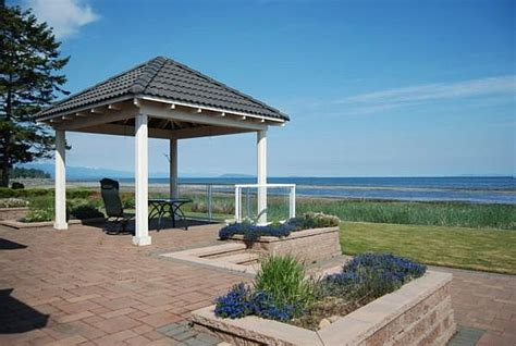 House Parksville Columbia Beach House 3 Bedroom Oceanfront Home In Parksville