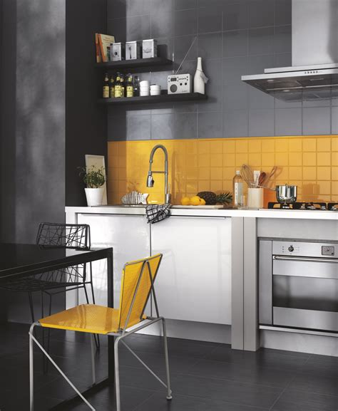 piastrelle colorate per cucina piastrelle cucina materiali prezzi e soluzioni