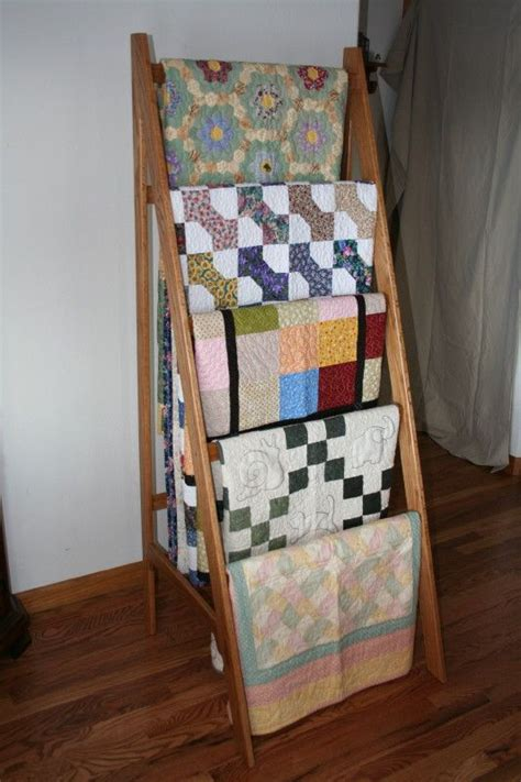 Quilt Rack Display by 1000 Ideas About Quilt Ladder On Quilt