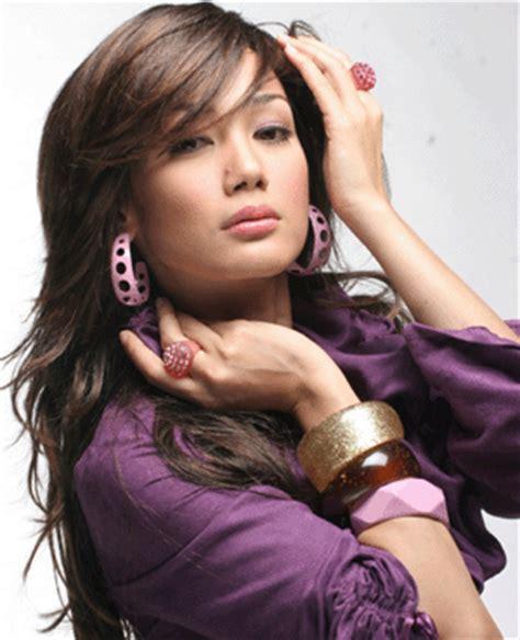 film malaysia pasrah erra fazira malaysian actress singer fashion model tv host
