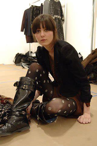 Irina Lazareanu To Model Kate Moss For Topshop Collection by Irina Lazareanu стала лицом линии Kate Moss для Topshop