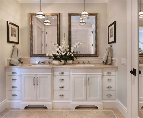 Bathrooms With White Cabinets by 25 Best White Vanity Bathroom Ideas On White