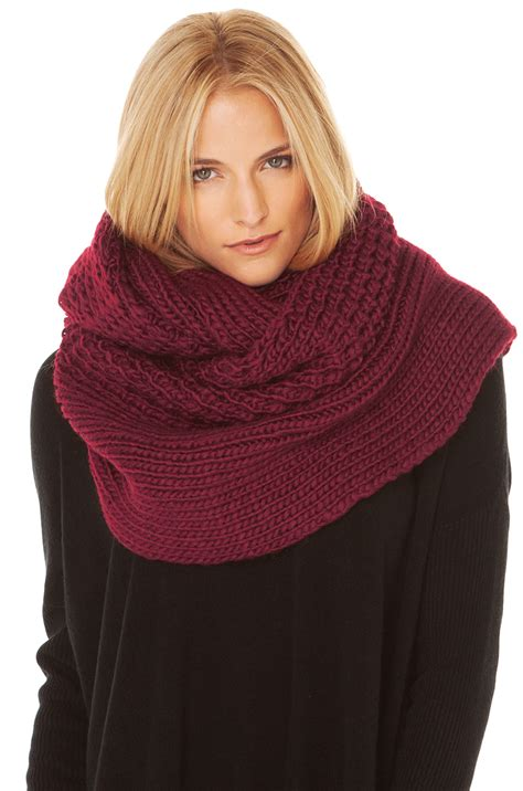 Jaket Oblong Marshmello lyst chunky purl knit infinity scarf in burgundy