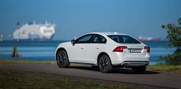 Volvo Vom Check Out The Volvo S60 Cross Country In 22 New Photos