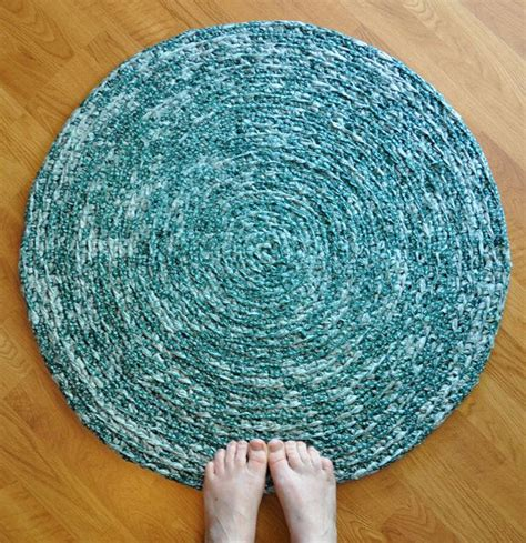 crochet rugs with fabric strips 1000 images about fabric crocheting on rag rugs fabric strips and crochet