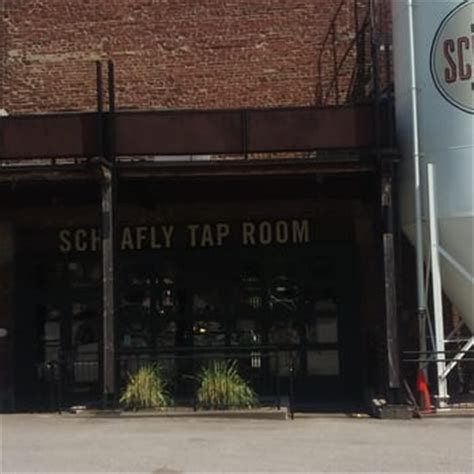 the tap room st louis the schlafly tap room 363 photos 470 reviews breweries 2100 locust st downtown