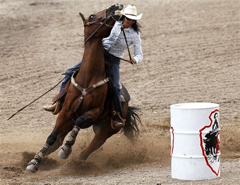 Crown Point Rug Auction Cheyenne Frontier Days Barrel Racing