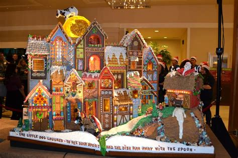 Seattle Gingerbread Houses by Pin By Emily Doe On Gingerbread