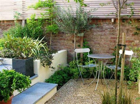 Jardin Patio by Jardines Peque 241 Os Y Patios Traseros De Dise 241 O 250 Nico