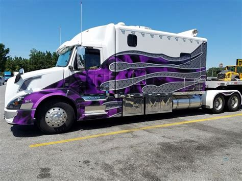 volvo canada trucks 569 best custom big rigs images on pinterest