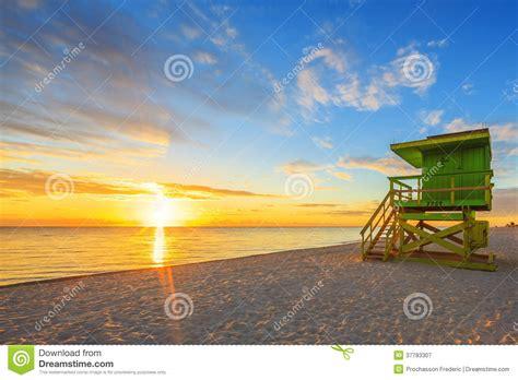 ver gua de miami todoviajes clarincom nascer do sol sul da praia de miami e torre da salva vidas