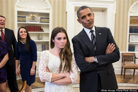 Barack Obama pose avec la gymnaste McKayla Maroney