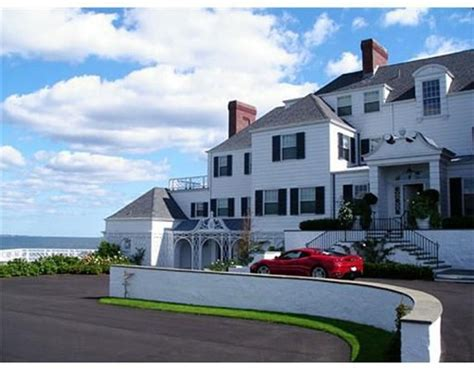 reportedly buys oceanfront manse in rhode island