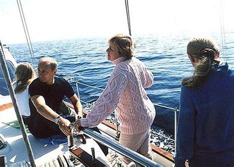 tekne faciası putin s daughter maria has fled holland after dutch fury